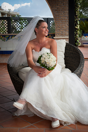 Wedding – Francesca, the bride, the spontaneity, joy and happiness – Candid Shots – Wedding photographer Naples.